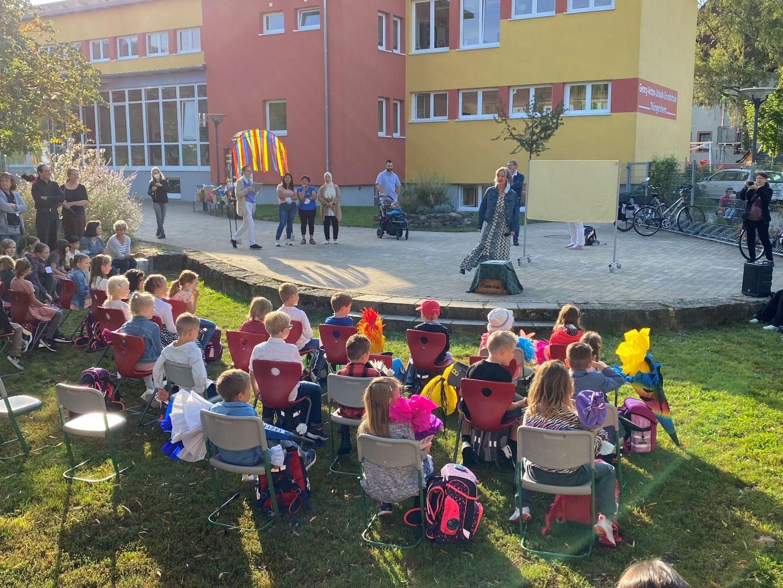 Schulanfangsbegrüßungsfeier an der Georg-Anton-Urlaub Grundschule